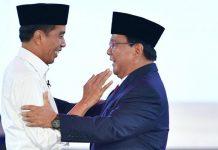 Jokowi dan prabowo saat debat capres (net)
