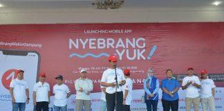 """Isdianto saat meresmikan E-Tiketing yang bernama aplikasi """"NyebrangYuk"""" di halaman Gedung Daerah Provinsi Kepulauan Riau, Kota Tanjungpinang, Ahad (28/7)."""