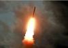 Tangkapan gambar dari siaran KCTV Korea Utara pada 1 Agustus 2019 menunjukkan rudal balistik diluncurkan dari lokasi yang tidak diketahui di Korea Utara pada 31 Juli. (Handout / KCTV / AFP)