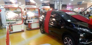 """Boot Perumahan Dream Land dalam area Pameran PKP bertajuk """"PKP Gebyar Merdeka"""" di BCS Mall, Baloi, Batam. Beli rumah selama pameran, bisa dapat hadiah mobil Mitsubishi. (foto"""" Ali/Suryakepri.com)"""