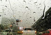 Ilustrasi Berkendara Saat Hujan/Freepik