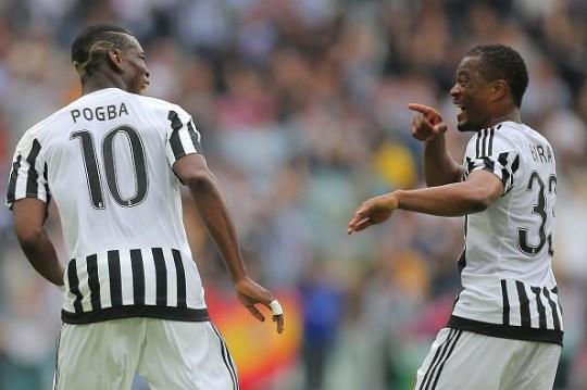 Paul Pogba (kiri) bersama Patrice Evra saat membela klub Italia, Juventus (Getty via Metro).