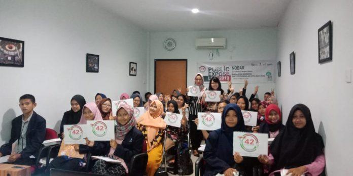 Suasana nonton bareng public Expose Live 2019 di Kantor Bursa Efek Indonesia (BEI) Kepri. (suryakepri.com/ist)