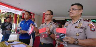 Kapolresta Barelang, AKBP Prasetyo Rachmat Purboyo menggelar ekspose kasus perampasan handphone di Mapolresta Barelang, Sabtu (24/08/2019).(suryakepri.com/dio)