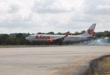 Ilustrasi, Pesawat Lion Air saat landing di Bamdara RHF Tanjungpinang baru-baru ini (Foto: Suryakepri.com/MBA)