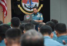 Danlantamal IV Laksamana Pertama TNI Arsyad Abdullah saat memberikan sambutan peringatan Tahun Baru Islam di Mako Lantamal IV Tanjungpinang.