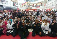 Festival and Kompetition Karate Bandung Karate Club (BKC) Batam 2019 diselenggarakan di Kepri Mall, Sabtu - Minggu (7-8/09/2019). Peserta maupun pengurus sangat antusias. (suryakepri.com/dio)