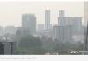 Kabut asap menutupi udara Singapura. Channel News Asia melaporkan bahwa kualitas udara akan lebih merosot jika kebakaran hutan di Sumatera dan Kalimantan tidak segera tertangani. (Foto: Channel News Asia)