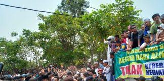 Warga Karimun Demo Acara Syiah, Minggu (22/9/2019). Foto: Suryakepri.com/Rachta Yahya