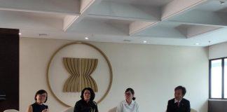 Sekretaris Jenderal ASEC , Rosarita Niken Widiastuti. (kiri) menjadi panelis dalam he 3rd ASEAN Economic Dialogue,. (Sumber: Kominfo)