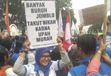 Atribut pendemo aksi unjuk rasa didepan kantor Walikota Batam, Rabu (02/10/2019. (Foto: Suryakepri.com/ADL)