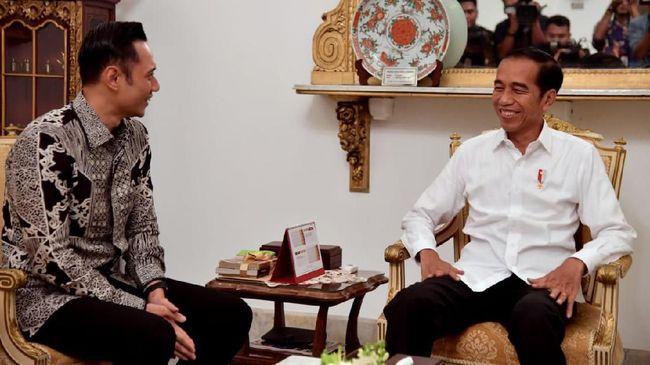 Agus Harimurti Yudhoyono (AHY) bertemu Presiden Jokowi. (Sumber: CNNIndonesia)