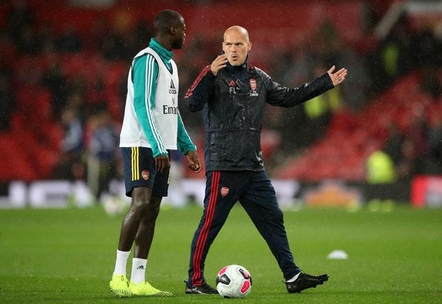 Freddie Ljungberg (kanan) akan bertanggung jawab atas Arsenal untuk sementara. (foto: Sportsmole)