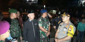Wali Kota Tanjungpinang Syahrul bersama Kapolres Tanjungpinang AKBP Muhammad Iqbal dan FKPD saat melaksanakan pemantauan ibadah malam Natal di Tanjungpinang (Foto: Suryakepri.com/MBA)