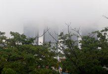 Ilustrasi, Kondisi cuaca Batam sedang hujan dan berkabut.(suryakepri)