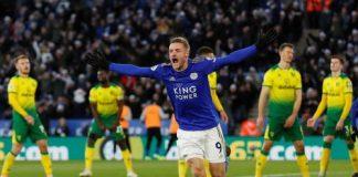 Striker Leicester Jamie Vardy melakukan selebrasi usai mencetak gol penyeimbnag konta Norwich. Ini gol ke-16 Vardy musim ini, semakin mengokohkan sebagai top skor sementara. (Foto: p[remierleague.com)