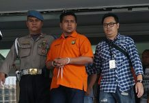Dua Tersangka Penyiraman Terhadap Novel Baswedan Berinisial RM dan RB. (Foto: Kumparan.com)