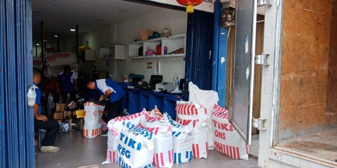 TIKI Agen Utama Batam, Pelita, Nagoya, Senin (27/1/2020) Foto: Suryakepri.com/Romi