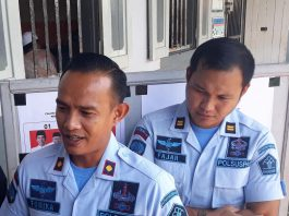 Kepala Rutan Tanjungpinang Fonika Affandi dan Kepala Pengamanan Rutan Tanjungpinang Fajar Teguh Wibowo (Foto: Suryakepri.com/Muhammad Bunga Ashab)