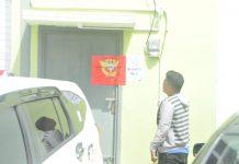 Gudang Mikol dan rokok ilegal yang sudah di segel pihak Bea Cukai. (Foto: Suryakepri.com/Romi)