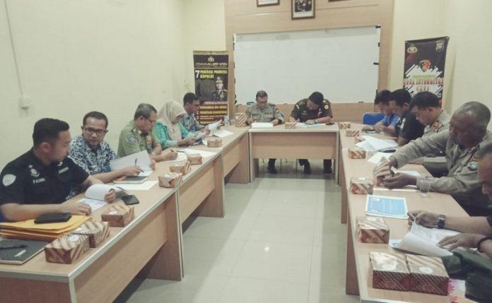 Unit Pemberantasan Pungli (UPP) Kabupaten Karimun menggelar perkembangan perkaranya di Mapolres Karimun, Kamis (27/2/2020). Foto: Suryakepri.com/Rachta Yahya
