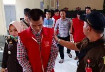 Empat terdakwa saat berada di ruang sidang Pengadilan Negeri Tanjungpinang (Foto: Suryakepri.com/ Muhammad Bunga Ashab)