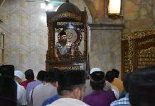 Kapolres Tanjungpinang AKBP Muhammad Iqbal saat menjadi khatib salat Jum'at (Suryakepri.com)