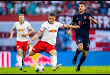 Ancang-ancang Marcel Sabitzer sebelum melepaskan tendangan. Perhatikan gayanya,sangat mirip dengan David Beckham. (Foto: Getty via Bundesliga.com)