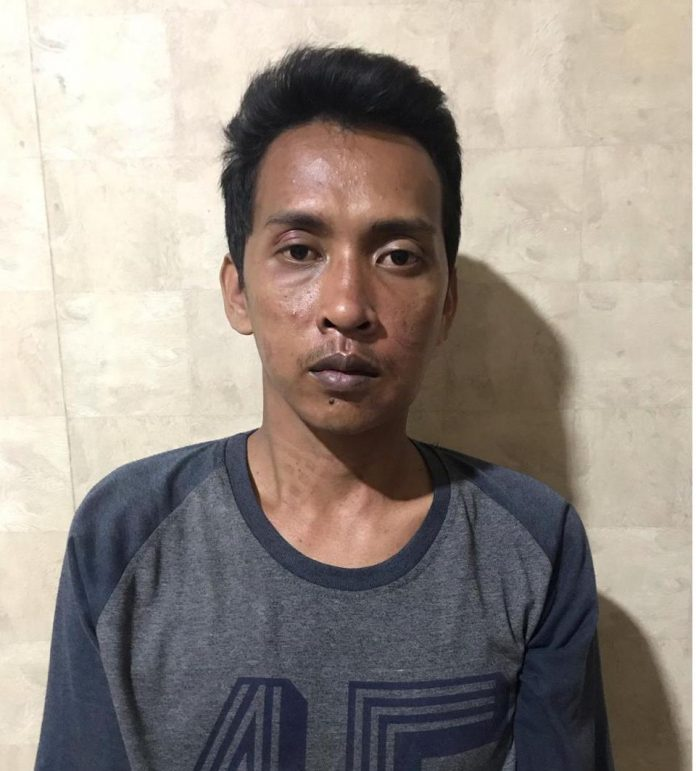 Pelaku setelah diringkus Tim Jantanras Sat Reskrim Polres Tanjungpinang (Suryakepri.com)