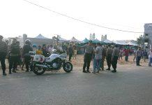 Petugas Kepolisian yang Berasal dari Mapolsek Lubuk Baja dan Mapolresta Barelang saat Mengatisipasi Terjadinya Kerusuhan di Pasar Induk Jodoh, Kota Batam, Rabu (11/3/2020). (Foto: Suryakepri.com/Nando)