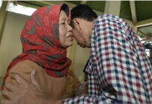 Presiden Joko Widodo bersama sang bunda Foto antaranews via twitter
