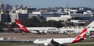 Qantas Airlinesakan menghentikan total semua penerbangan internasional mulai akhir Maret ini. (Sumber Foto: CNA):