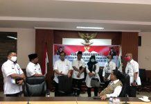 Sekretaris Daerah Provinsi Kepulauan Riau (Kepri) H TS Arif Fadillah saat Mengikuti Rapat Melalui Video Conference Bersama Pemerintah Pusat, Rabu (8/4/2020).