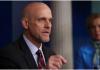 Komisioner FDA Dr Stephen Hahn memberikan pengarahan harian kepada satuan tugas penanganan virus corona AS di Gedung Putih di Washington, DC. (REUTERS / Jonathan Ernst via CNA)