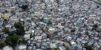 Kawasan sangat padat penduduk di Haiti. (Foto: rfi.fr)