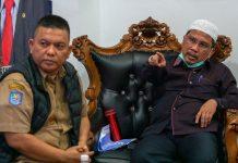 Sekdaprov Kepri H TS Arif Fadillah saat Memimpin Langsung Rapat Penyiapan SOP Penanganan Pemulangan Pekerja Migran Indonesia dari Luar Negeri yang melalui Kepulauan Riau, Senin (6/4/2020).