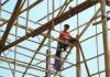 Seorang pekerja konstruksi bambu di Hong Kong. Foto: Foto: Goldthread via SCMP