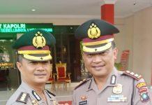 Kapolresta Barelang AKBP Purwadi Wahyu Anggoro bersama mantan Kapolresta lama Kombes Prasetyo Rahmat Purboyo