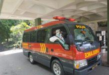 Ambulance ini melarikan pasien Covid-19 yang ditolak RS Galang ke RS Badan Pengusahaan Batam (RSBP) di kawasan Sekupang, Batam.