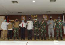 Rapat forum pimpinan daerah (Forkopinda) Provinsi Kepri dalam rangka pembahasan percepatan covid-19 di kota Batam, bersama Gubernur dan Walikota Batam, Rabu (27/5) di Batam.