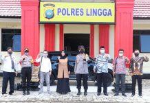 Kapolres Lingga AKBP Boy Herlambang saat menerima kunjungan KPU Lingga di kantornya (Suryakepri.com/ist)