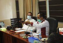 Wakil 2 Ketua DPRD Karimun Rasno memaparkan kejadian perahunya ditabrak tugboat saat hearing di DPRD, Selasa (9/6/2020). (Foto Suryakepri.com/Dok DPRD Karimun)
