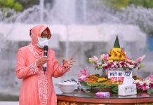 Walikota Surabaya Tri Rismaharini berbicara saat perayaan HUT ke-727 Kota Surabaya, Minggu (31/5/2020). Foto: Facebook Pemko Surabaya
