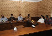 lt Gubernur Kepri Isdianto menerima kunjungan masyarakat Pulau Galang, Batam, Selasa (21/7) di Graha Kepri, Batam