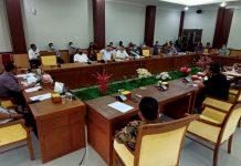 Konsumen Ruko Pasar Bida Trade Center, Piayu, Batam, Kepulauan Riau mendatangi Komisi I DPRD Kota Batam, Kamis (23/7/2020).