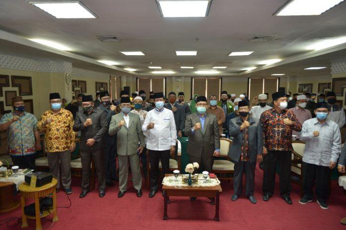Plt Gubernur Kepri di acara Konsolidasi Kelembagaan Majelis Ulama Indonesia (MUI) Provinsi Kepri, Sabtu (11/07/2020) di Hotel PIH Batam.