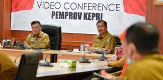Sekdaprov Kepri, H TS Arif Fadillah memimpin rapat rutin bersama OPD di lingkungan Pemerintah Provinsi Kepri di Rupatama, lt.4, kantor Gubernur Kepri, Dompak, Tanjungpinang, Senin (20/07/2020).