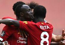Penyerang Liverpool Sadio Mane (kiri) dan Naby Keita merayakan gol ke gawang Aston Villa. (Foto dari Livescore)
