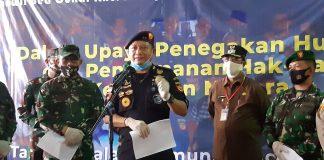 Kakanwil DJBC Khusus Kepri Agus Yulianto menyampaikan press release pengungkapan kasus tekstil diduga ilegal senilai Rp 13,6 miliar, Rabu (19/8/2020) siang. Foto Suryakepri.com/Rachta Yahya