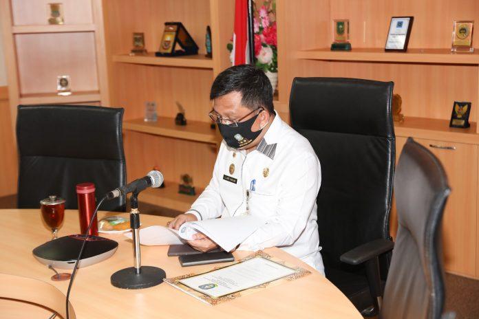 Sekdaprov Kepri Arif Fadillah saat mengikuti Kampanye Virtual Gerakan Nasional Netralitas Aparatur Sipil Negara (ASN) dengan tema